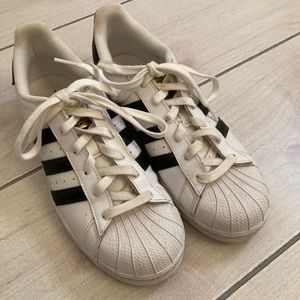 Adidas Superstar Classic Tennis Shoes Size 7.5